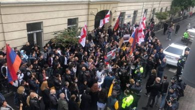 Photo of Проживающие в Тбилиси этнические армяне провели акцию у здания телекомпании «Мтавари архи»