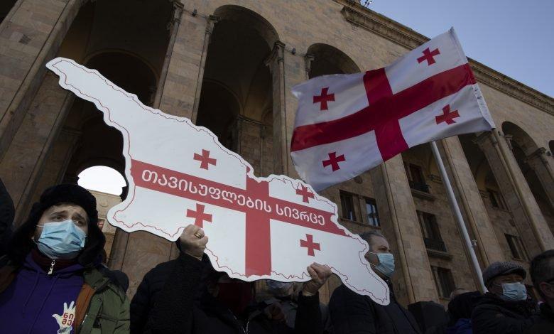 Photo of Какие шаги нужно предпринять? Эксперты в поисках выхода из кризиса в Грузии